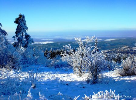Mit Schneeschuhen, Rodel und Ski unterwegs in Hessen