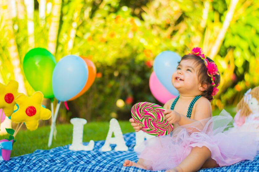 kindergeburtstag-im-sommer-gruende-draussen-zu-feiern