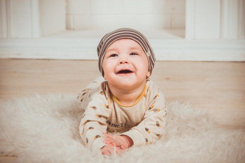 nachhaltigkeit-vom-wickeltisch-bis-zum-babystrampler