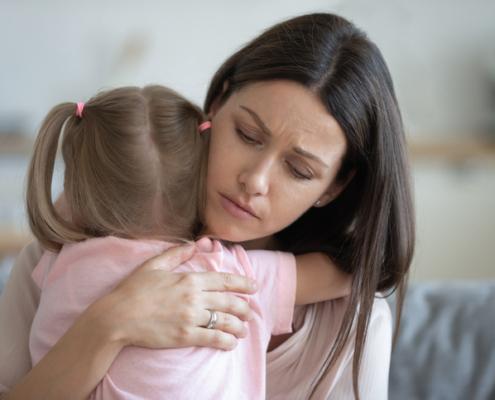 Parenting Index: Ein Drittel der Eltern in Deutschland fühlt sich Druck ausgesetzt