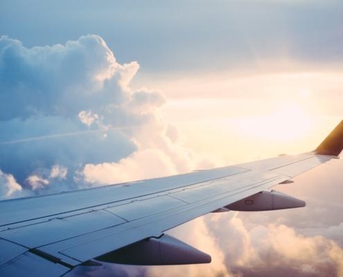 Flugreisen in Corona-Zeiten: Tipps für eine entspannte Familienreise