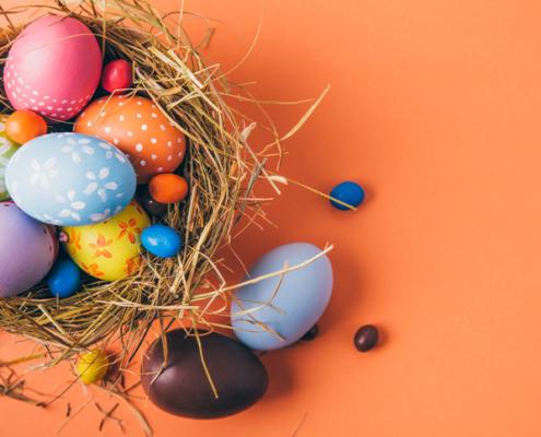 Last-Minute Basteln und Backen mit Kindern zu Ostern